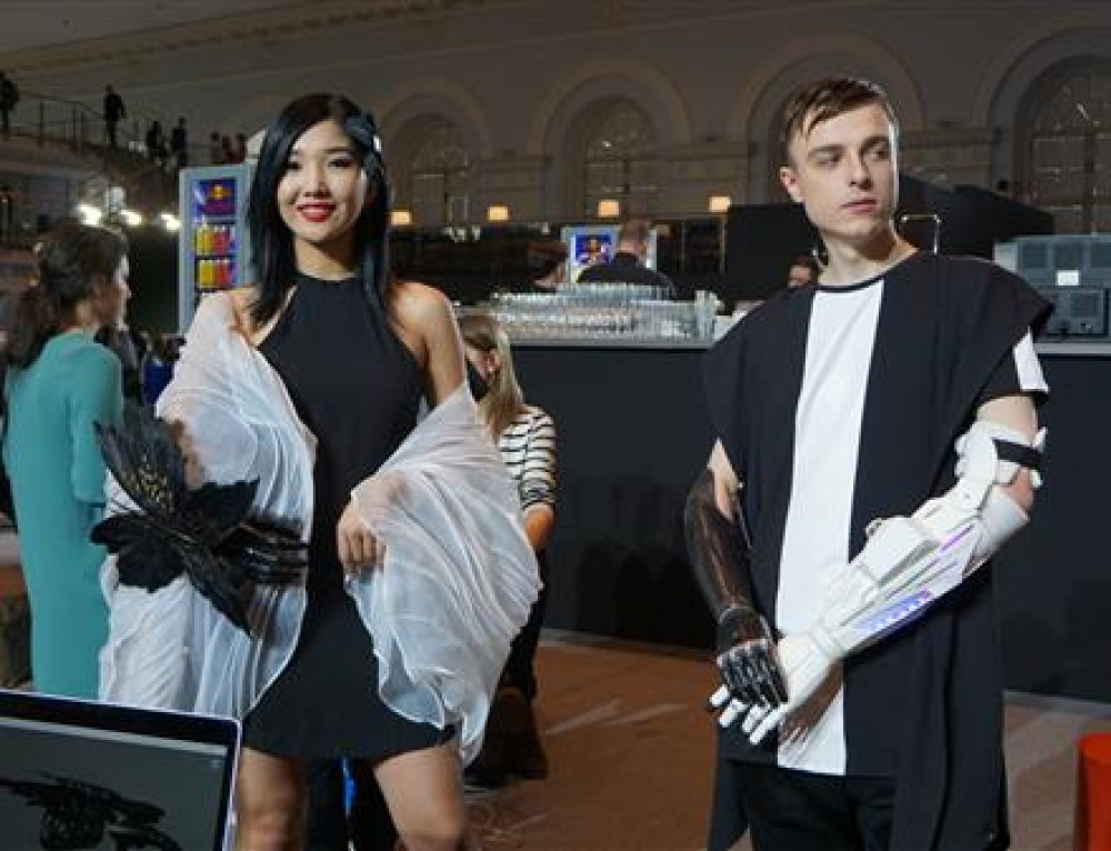 New 3D printed prosthetic arms turn heads at Moscow fashion week